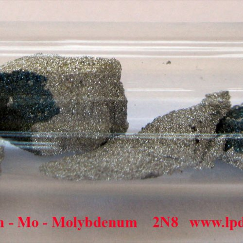 Molybden - Mo - Molybdenum Crystalline fragments of molybdenum with oxide surface.
