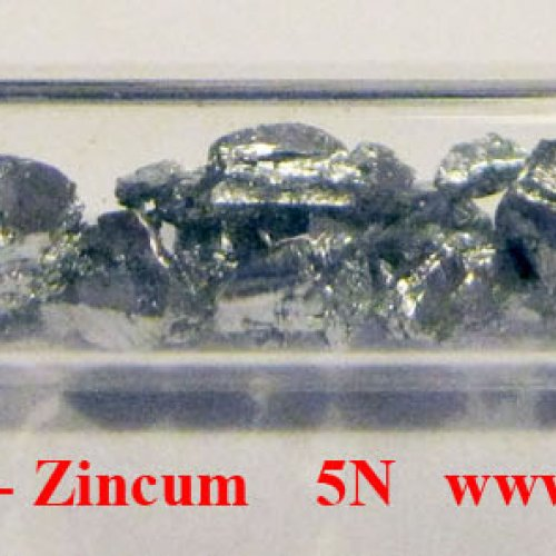Zinek - Zn - Zincum  Zinc crystalline fragments pieces. Zinc lumps.