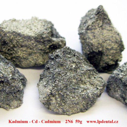 Kadmium - Cd - Cadmium Metal crystallie fragments pieces with oxid sufrace.