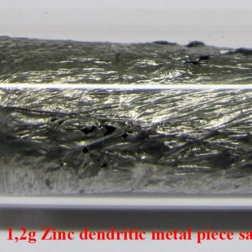 Zinek - Zn - Zincum 4N  1,2g Zinc dendritic metal piece sample.jpg